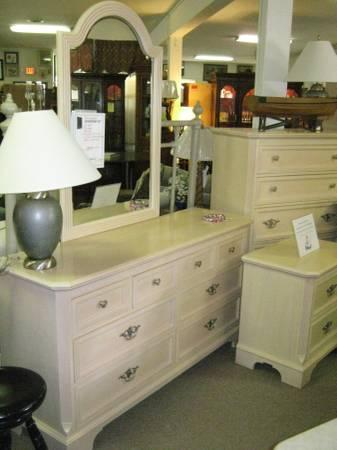 Lexington shabby chic antique white washed 5 pc queen for White queen bedroom set for sale