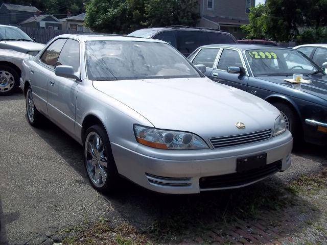 lexus es 300 1994 1994 lexus es 300 car for sale in louisville ky 4421587836 used cars on. Black Bedroom Furniture Sets. Home Design Ideas