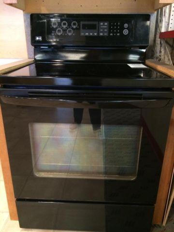Lg Black Electric Smooth Top Oven Stove Range Used For