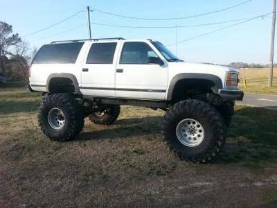 lifted 4x4 K2500 Suburban for Sale in Greenville, North