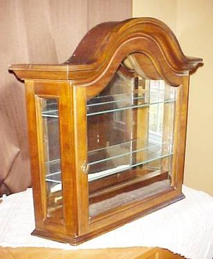 LIGHTED CATHEDRAL WALL or TABLE TOP CURIO W/ MIRROR & 2
