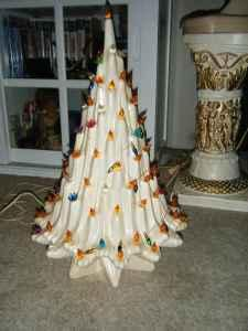 Lighted ceramic christmas tree - $10 (Mansfield)