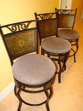 Lightly Used 24 Quot Wrought Iron Bar Stools For Sale In West