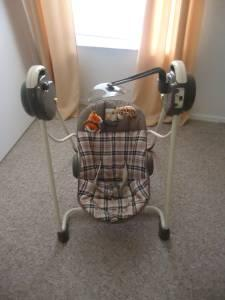 Like New Cosco Sway N Play Baby Swing Deland For Sale