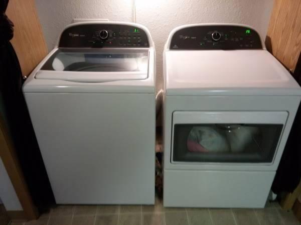 like new energy efficient whirlpool washer and dryer w warranties for sale in salem oregon. Black Bedroom Furniture Sets. Home Design Ideas