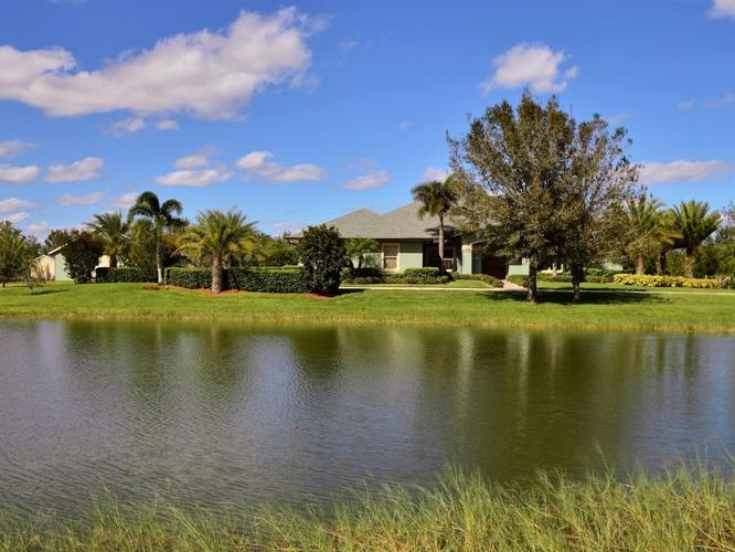 Man Cave Vero Beach : Like new home acres kennel stables apartment for