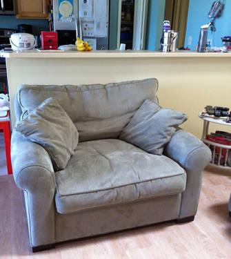 Like new, red microfiber couch