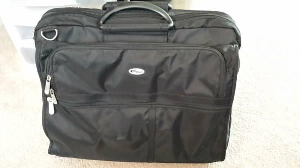 Like New Targus Nylon Notebook Computer Case, Black - $20