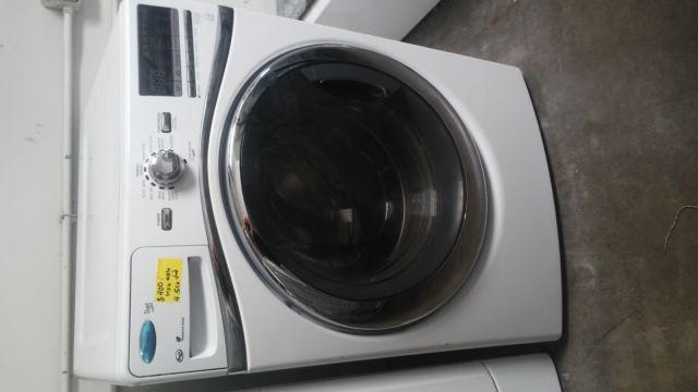 LIKE NEW! WHIRLPOOL DUET FRONT LOAD STACKABLE WASHER