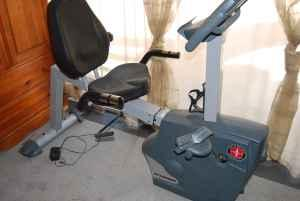 Schwinn SRB 1500 Recumbent Bike http://medford-or.americanlisted.com/garden-house/like-new-schwinn-recumbent-bike-150-emedford_19374519.html