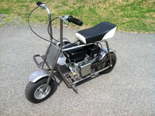 Custom mini bike : Vinos en casa