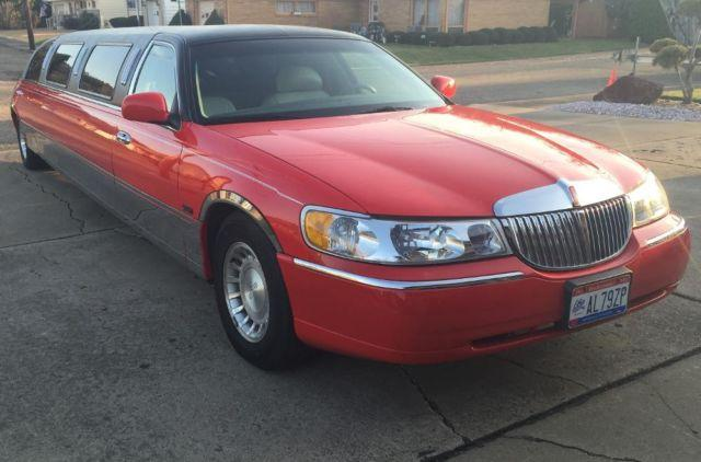 LIMO RED Unforgettable with low Miles