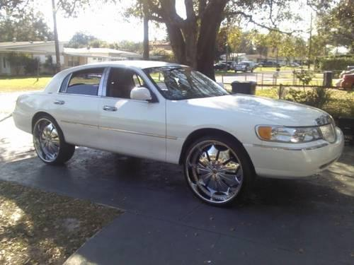 Lincoln Town Car On 26 Quot Rims For Sale In Tampa Florida