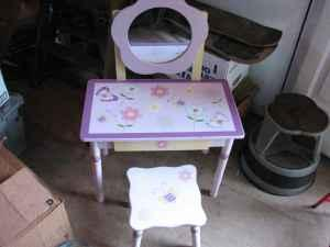 Fantastic Little Girls Vanity Stool Grants Pass For Sale In Lamtechconsult Wood Chair Design Ideas Lamtechconsultcom