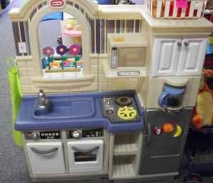 little tikes 2 sided Kitchen & Grill with sound - $80 (Romney Toy Shop, 10  min. S of Lafayette)