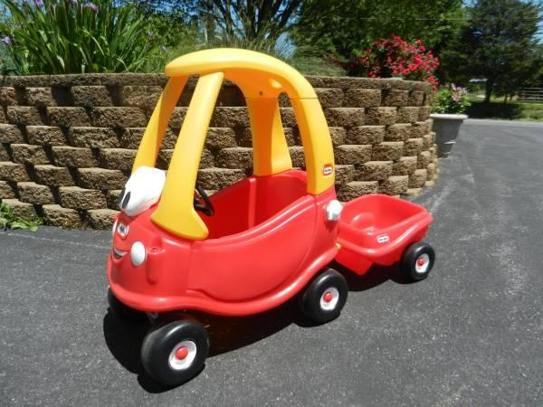 Little Tikes Anniversary Coupe Car With Trailer For In Lebanon Pennsylvania