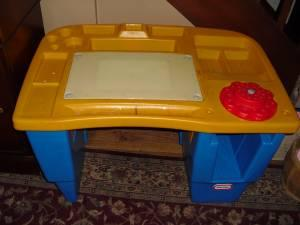 Little Tikes Childrens Desk Art Table Has Places To Keep