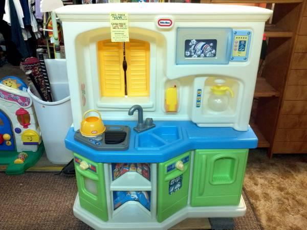 little tikes castle Classifieds - Buy & Sell little tikes ...