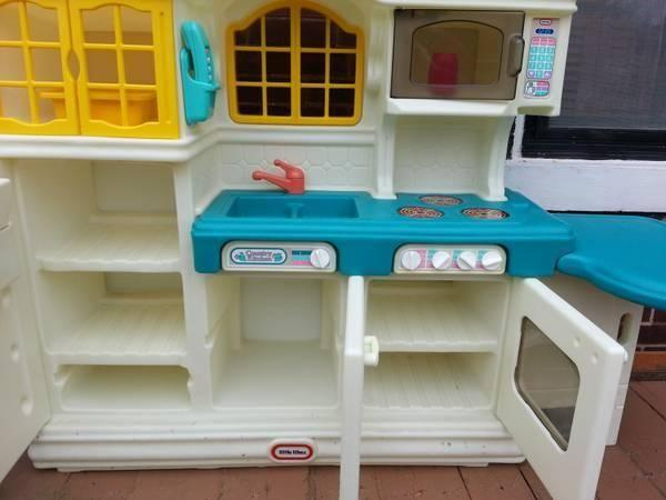 little tikes country kitchen kid's playset~hard to find~vintage