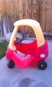 LITTLE TIKES COZY COUPE - $15 (SPARKS)