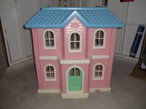 Amazing Little Tikes Doll House Classifieds   Buy U0026 Sell Little Tikes Doll House  Across The USA   AmericanListed