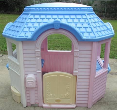 Little tikes endless adventure patio playhouse for sale Outdoor playhouse for sale used