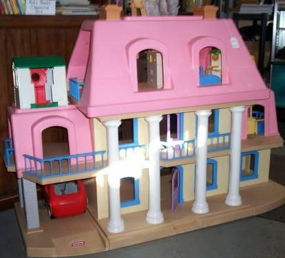 Little Tikes Grand Mansion Doll House W Accessories For