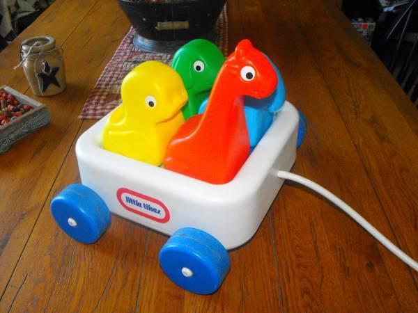 Little Tikes Plastic Animal Wagon With Dog Giraffe Duck