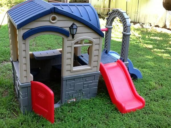 Little Tikes Playhouse See Saw And Basketball Hoop