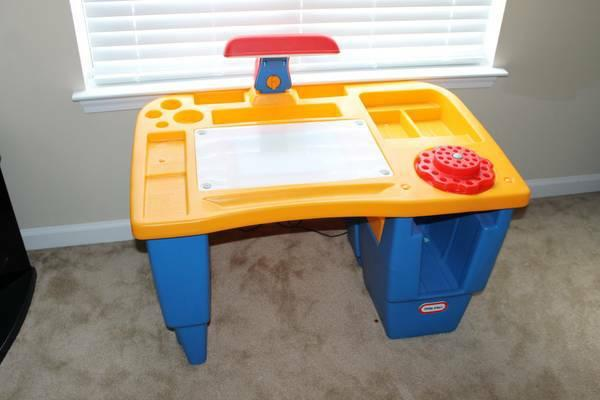 Little Tikes Art Desk With Light And Chair Desk Design Ideas