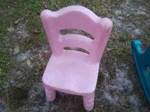 little tikes table 4 yellow chairs green rocking chair and pink chair saint cloud for sale. Black Bedroom Furniture Sets. Home Design Ideas