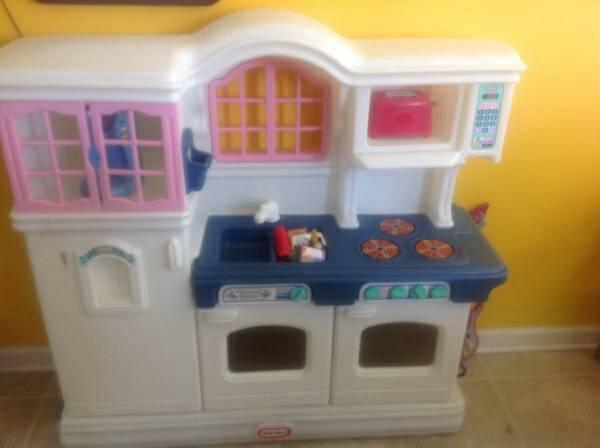 little tikes victorian bench toy box Classifieds - Buy ...