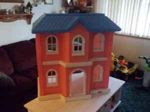 Little Tykes Doll House (big)   $65 (Harpersfield)
