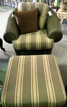 Superb Lloyd Flanders Resin Wicker Chair Ottoman 446 Ibusinesslaw Wood Chair Design Ideas Ibusinesslaworg