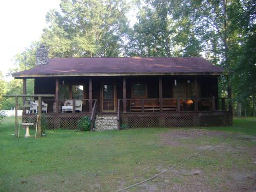 Log Cabin Flat Log With 18 7 Acres Located Near Chapman