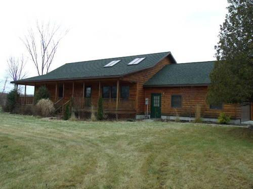 Log home for rent 3 bedrooms 2 baths and 2 car attached garage for sale in carthage new york for Three bedroom townhomes for rent