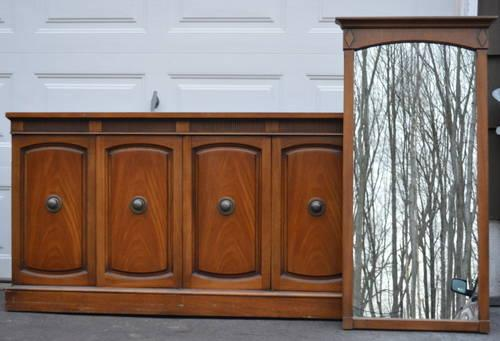 Long bedroom dresser with mirror by Drexel for Sale in ...