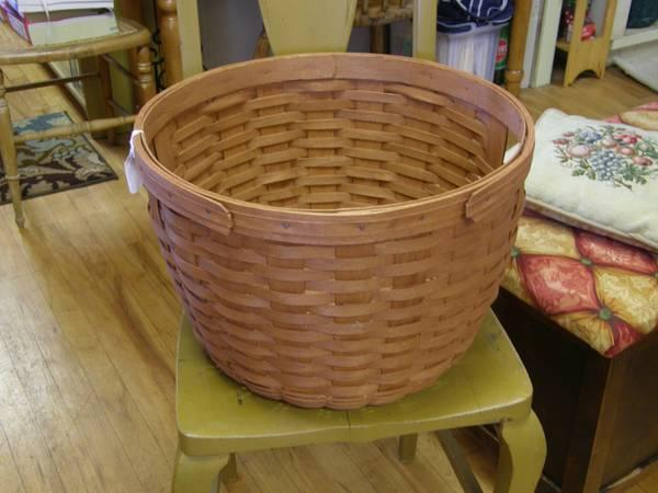 Longaberger Apple Basket Large Excellent Like New
