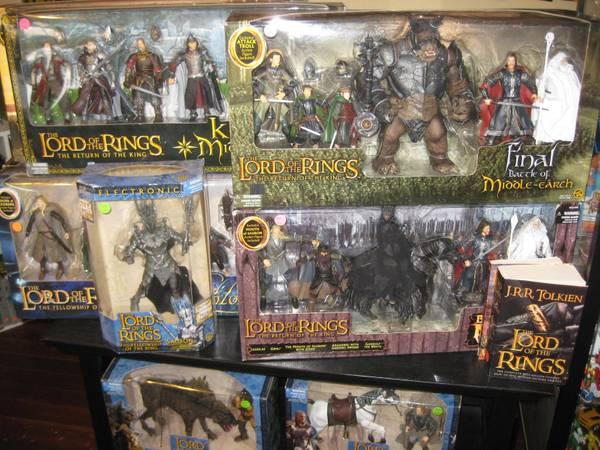home furniture bakersfield ca with Lord Of The Rings The Hobbit Action Figures Exclusive Gift Packs 26695569 on Lord Of The Rings The Hobbit Action Figures Exclusive Gift Packs 26695569 as well Trisha Yearwood Home Family Reunion Buffet Coffee 920 895 Klaussner likewise Pool Landscapes Az Do It Yourself also Info 26310231 Oak Furniture Liquidators Bakersfield furthermore Help To Pay Rent In San Diego.