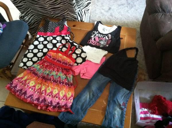 Lots of name brand girls clothes size 6/6x - $1