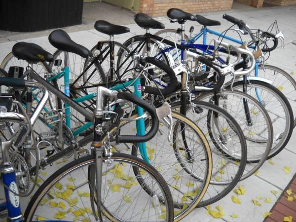 lots of used vintage bicycles for sale road bikes cruisers more for sale in oshkosh. Black Bedroom Furniture Sets. Home Design Ideas