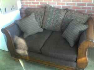 Loveseat for sale - $100 (wynne)