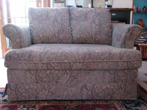loveseat hide a bed like new for sale in lansdale pennsylvania classified. Black Bedroom Furniture Sets. Home Design Ideas