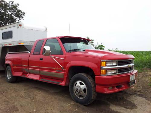 low miles 96 chevy 3500 pickup truck for sale in beaver dam wisconsin classified. Black Bedroom Furniture Sets. Home Design Ideas