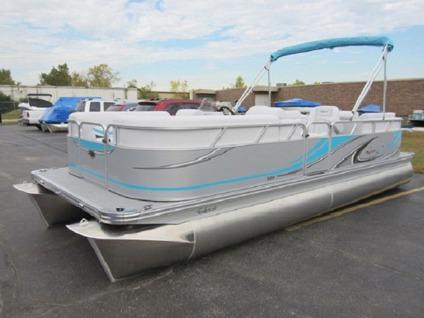 ?***Low Price ***2015 Apex Marine Qwest LS 822 RLS