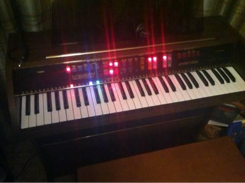 Lowrey Adventurer Organ 400