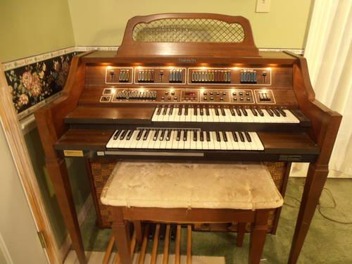 Lowrey Electronic Organ From The 1960 S For Sale In Apopka
