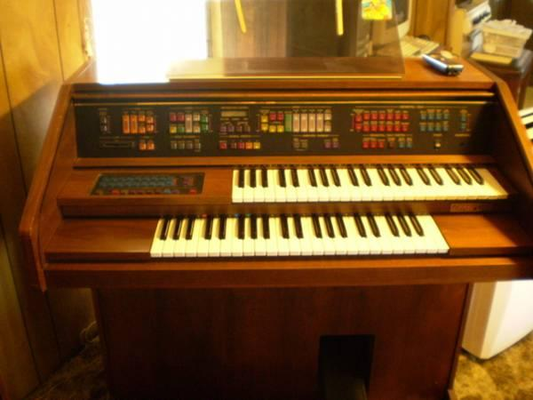 Lowrey Festival Nl 20 Organ For Sale In Big Rapids