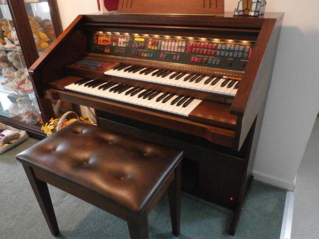 lowrey organ classifieds buy sell lowrey organ across the usa rh americanlisted com Lowry Organ Lowrey Genie 44 Organ Models
