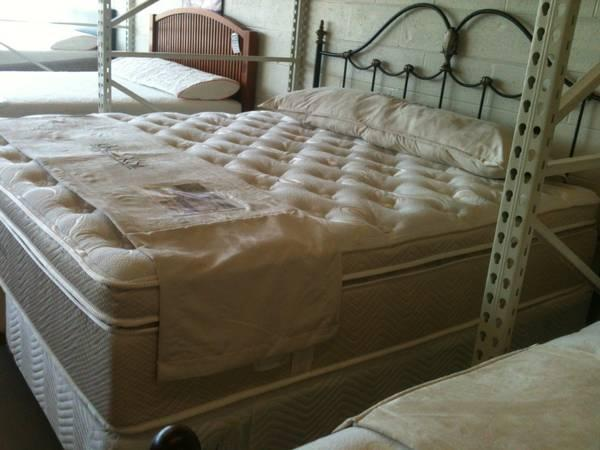 LUCINA EURO PILLOW TOP WITH MEMORY FOAM BY KING KOIL